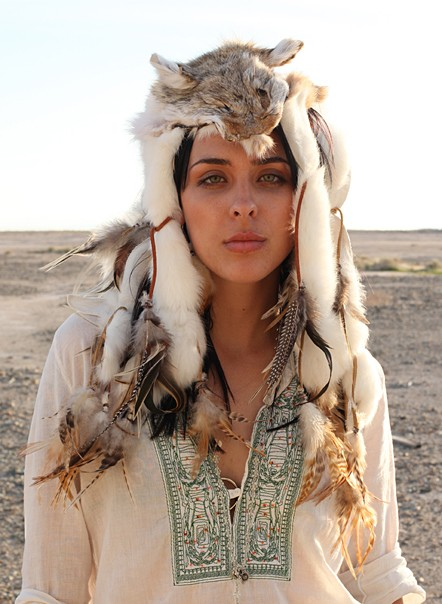 Hegemony and Cultural Appropriation in FashionNative American Tribal Women