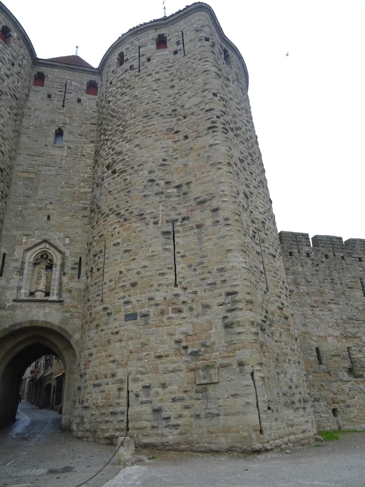 Los ciutadins la plaque de la porte narbonnaise for Porte narbonnaise