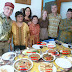 Comida de otoño y cumpleaños de Santy. Con la vieja guardia de Indonesia en Barcelona