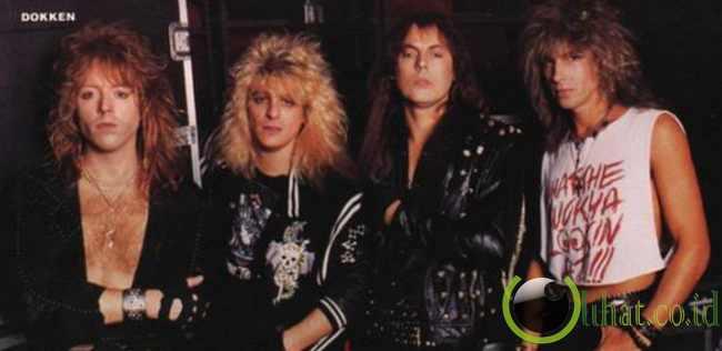 http://www.lihat.co.id/2013/06/10-band-aliran-hair-metal-yg-paling.html