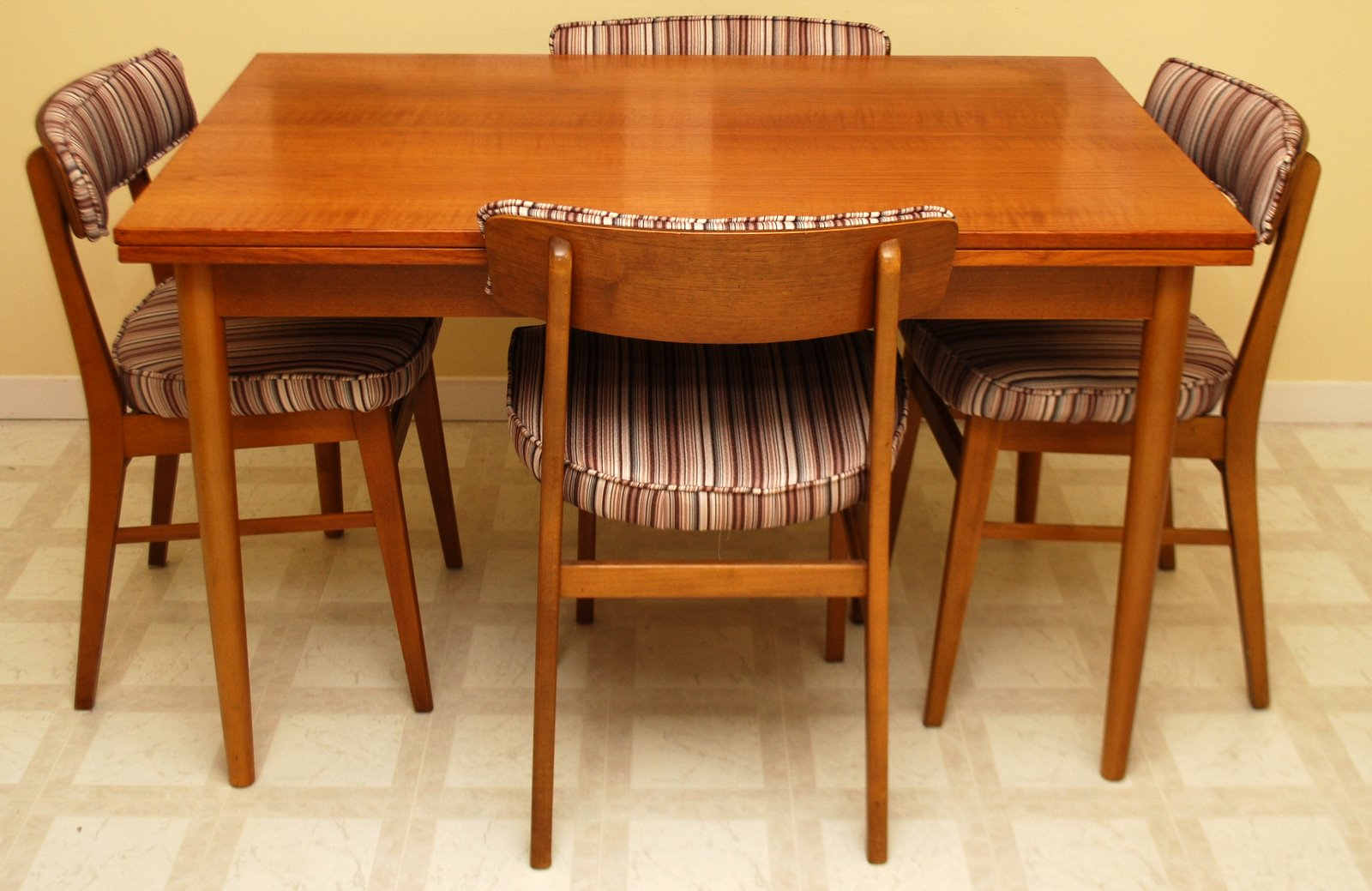 Tribute 20th Decor MidCentury Modern Danish Teak Dining Table