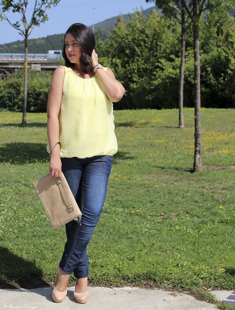 look of the day yellow blouse