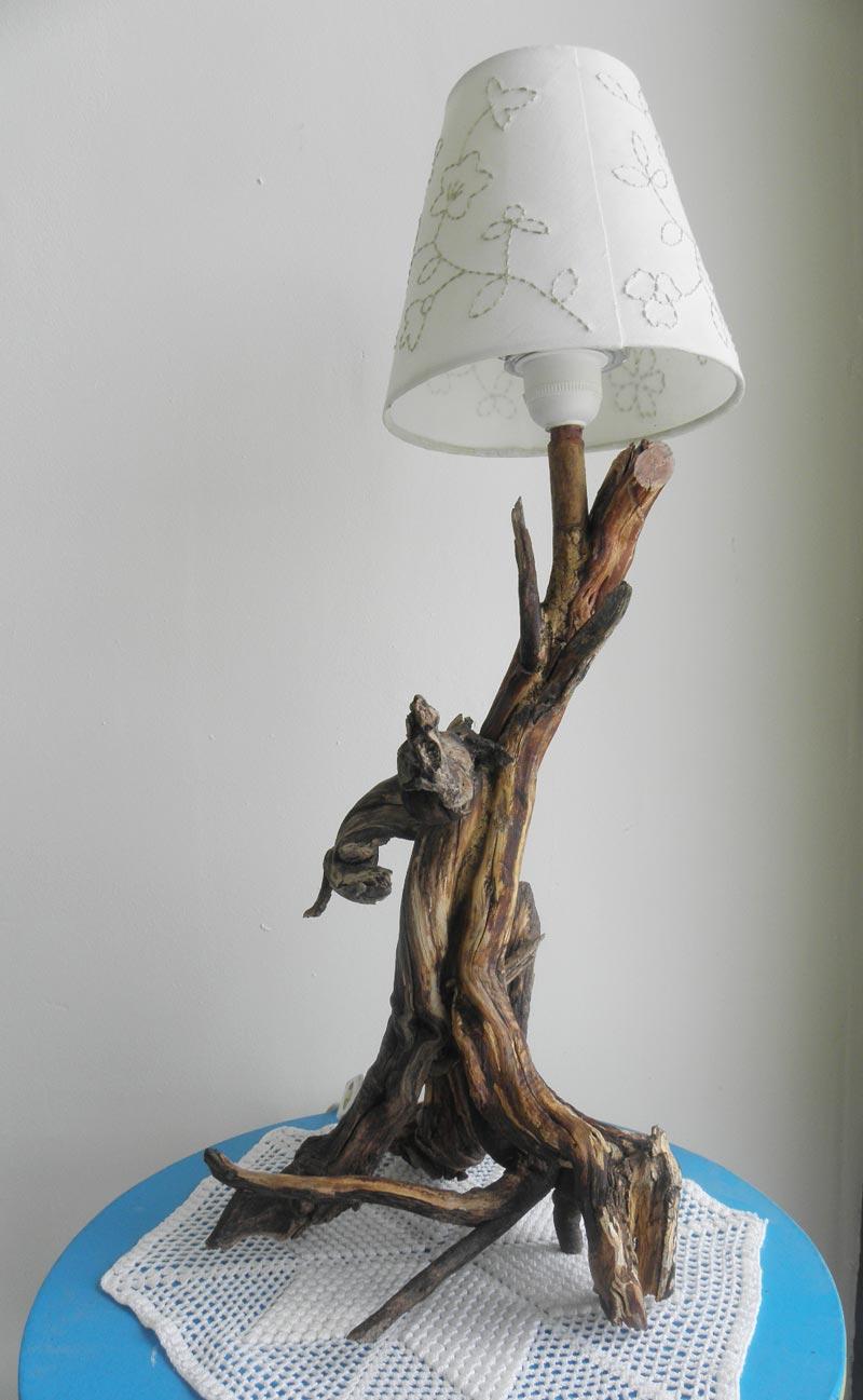 Badulake de ana pie de lampara con raices - Pies de lamparas ...