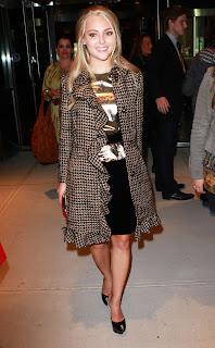 AnnaSophia Robb looking hot in short black skirt and heels
