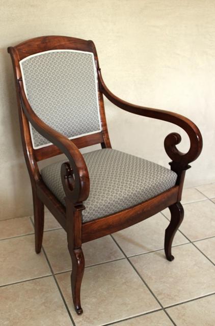 l 39 atelier de marjorie alais fauteuil restauration chassis. Black Bedroom Furniture Sets. Home Design Ideas