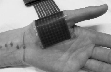 写真:拇指球筋軍