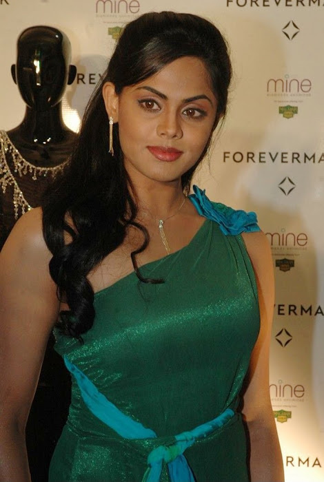 karthika nair from malabar diamond gold shop unseen pics