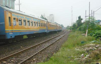 Kereta api penataran surabaya