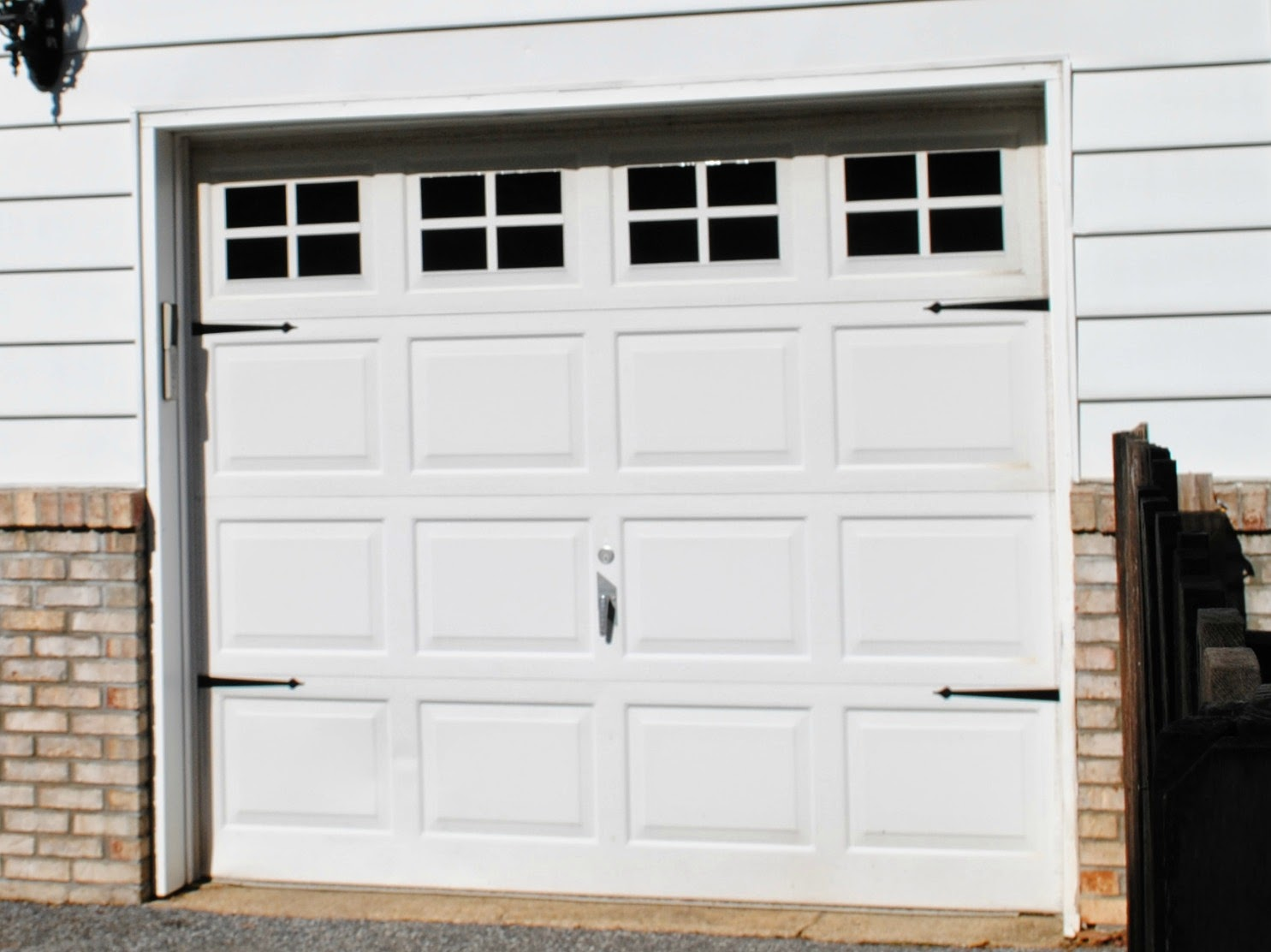 Diy vinyl faux carriage garage doors free studio file for Faux painted garage doors
