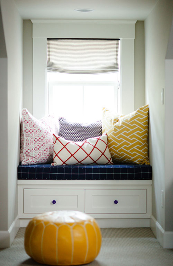 Cozy window seat © Design Sponge