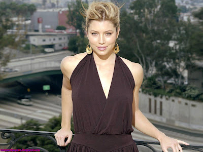 Jessica Biel hd Wallpaper look nice
