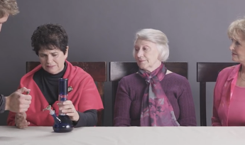 le tre nonne che fumano marijuana per la prima volta