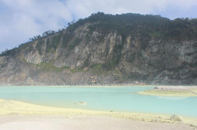 tapi belum tau tempat populer untuk di kunjungi 13 Tempat wisata di Bandung