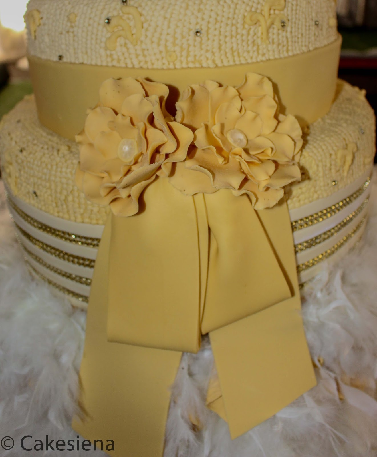Cake Factory: Champagne Gold and Feathers Wedding Cake