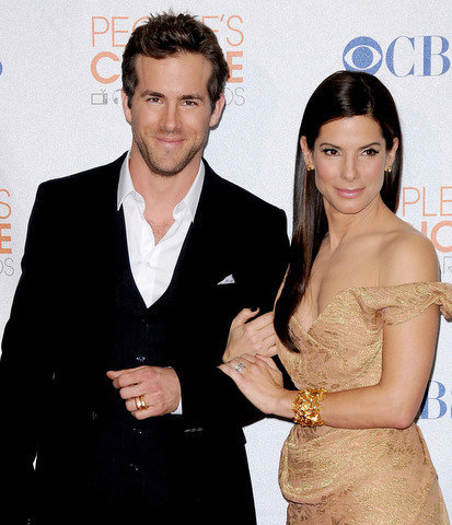 are sandra bullock and ryan reynolds dating 2011