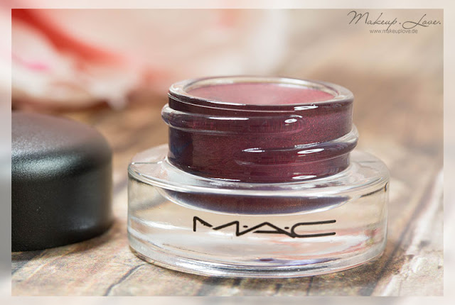MAC Looking Good Fluidline MAC is Beauty LE Swatch Eyeliner