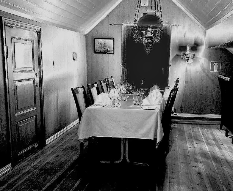 Haunted inns and ghosts of norway for Haunted dining room ideas
