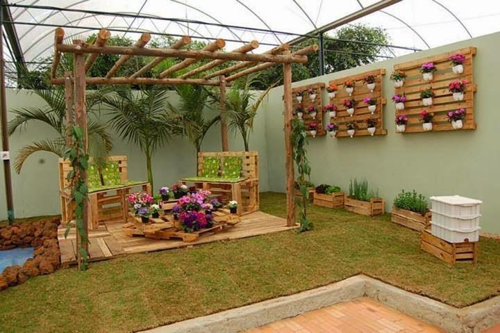 jardim vertical terraco:Descubra aqui vários exemplos de jardins verticais com paletes