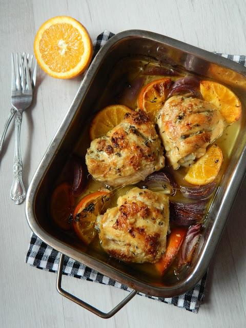 Pulpe de pui cu portocale si ceapa rosie