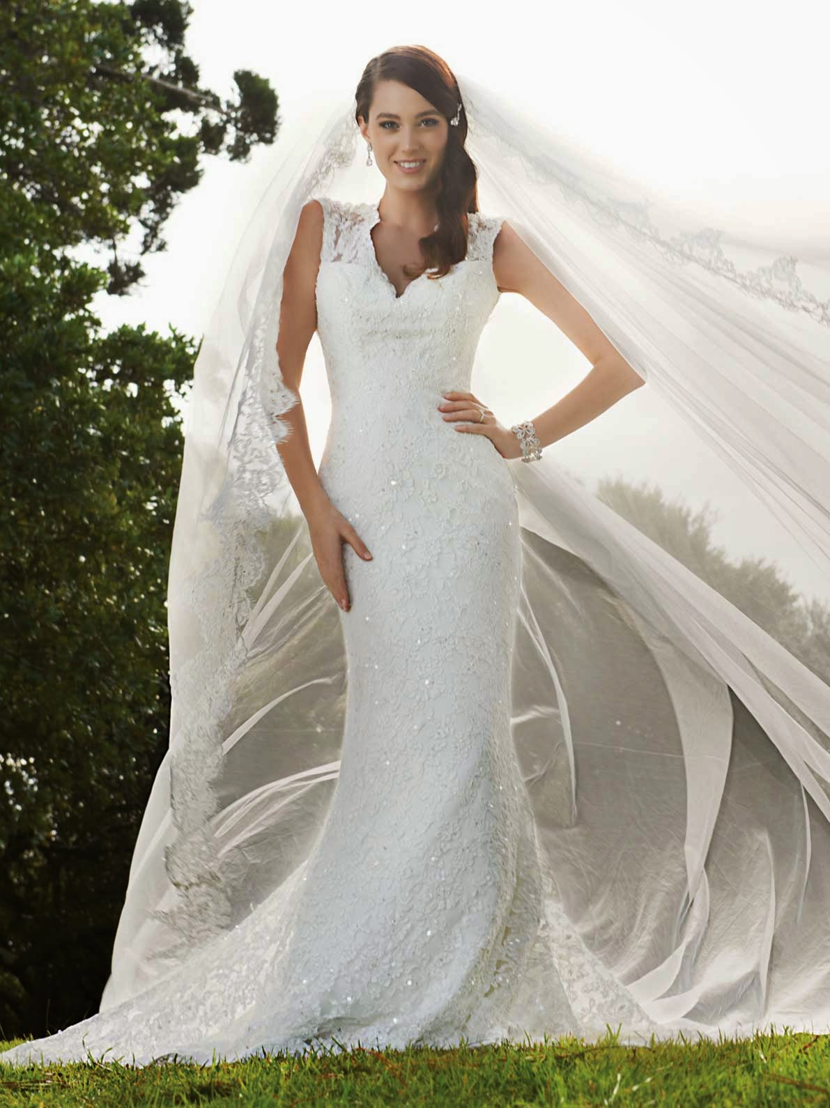 Discount designer wedding gowns online concept ideas for Affordable wedding dress designers