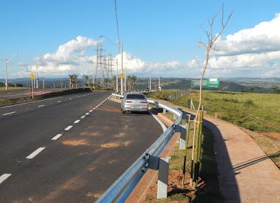Áreas de descanso foram distribuídas ao longo do percurso e algumas vão receber pontos de ônibus em lugares estratégicos, além de monitoramento por câmeras.