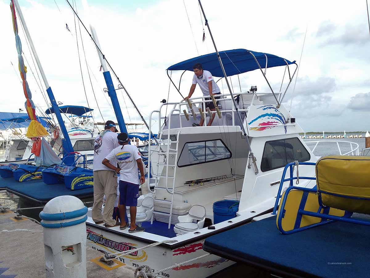 Deep sea fishing with aquaworld cancun for Deep sea fishing mexico