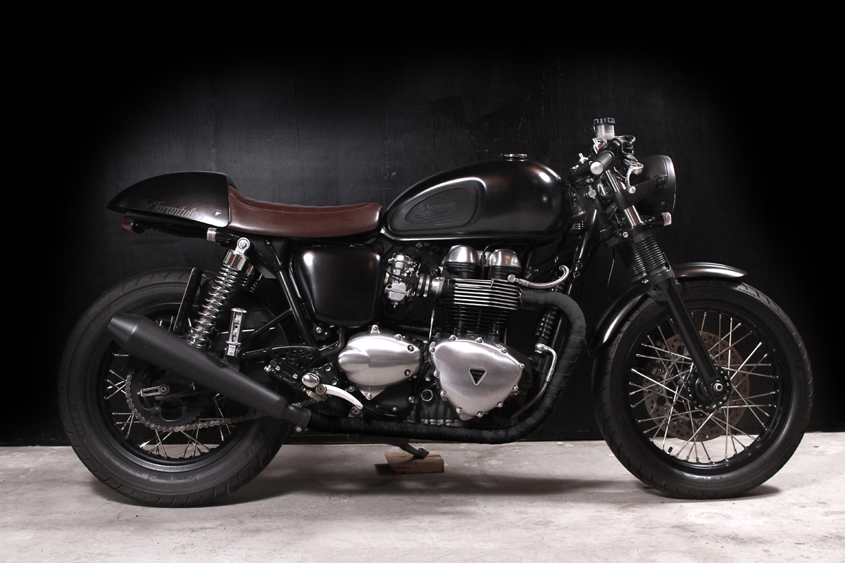 cafe racer special triumph thruxon caf by the tarantulas. Black Bedroom Furniture Sets. Home Design Ideas