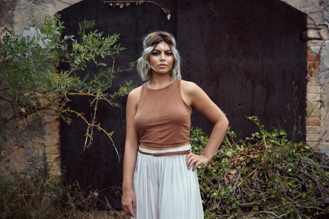 croptop-pantalonessueltos-look-hippie-bohemian-tiara