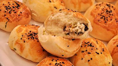 Sütlü Peynirli Tombik Ekmekler