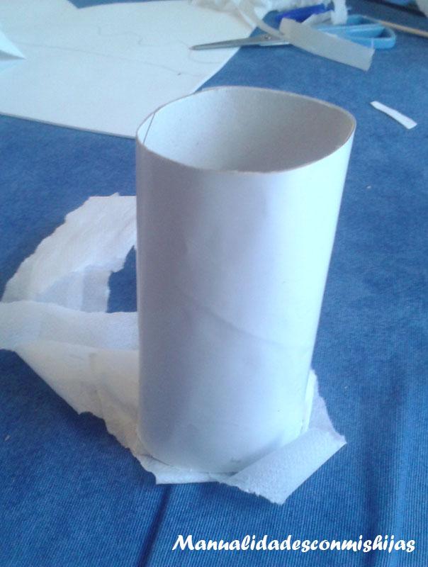 Fantasma con tubo de cartón para Halloween