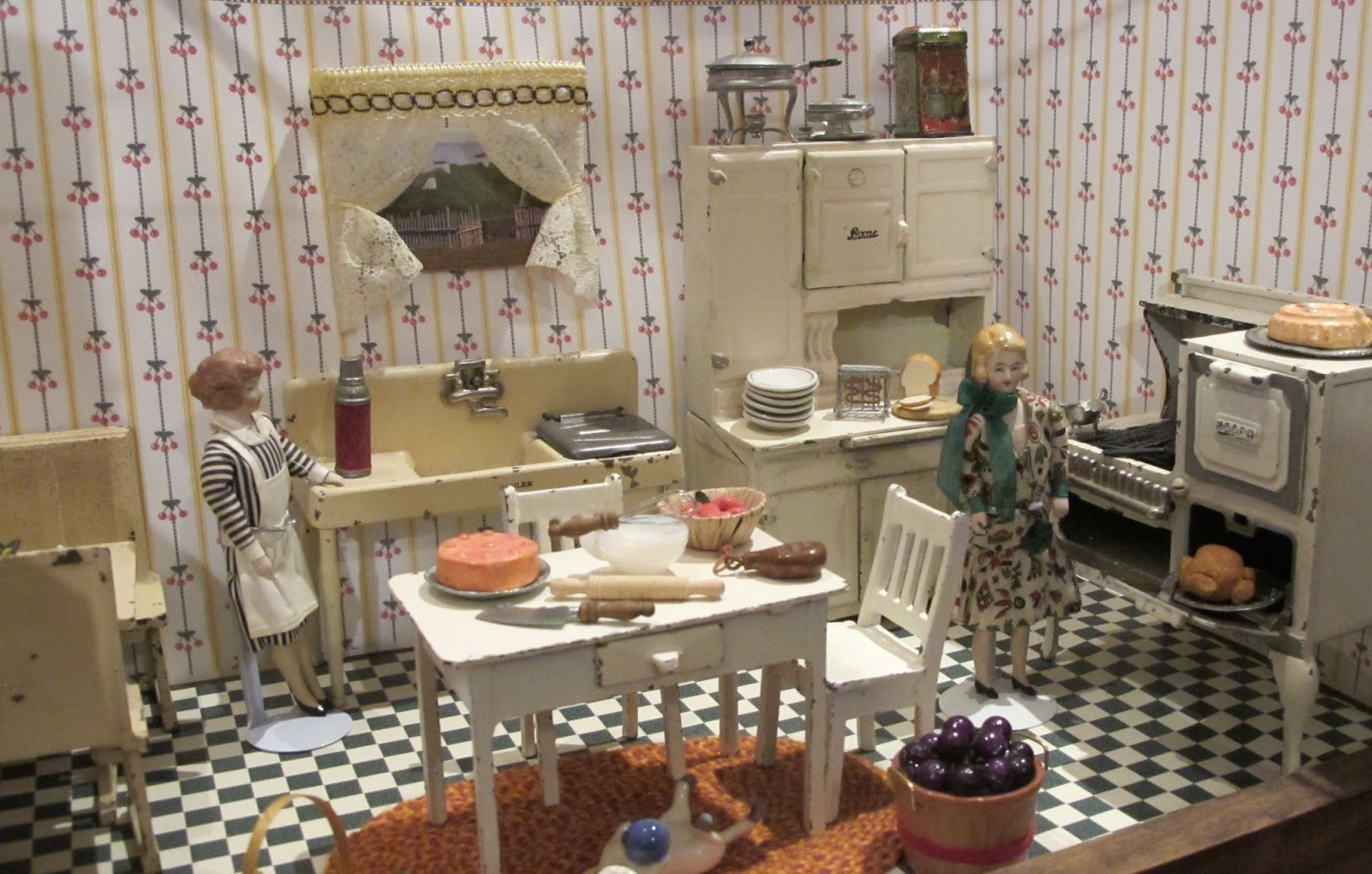 arcade toys for the dollhouse a 1920s kitchen - 1920s Kitchen