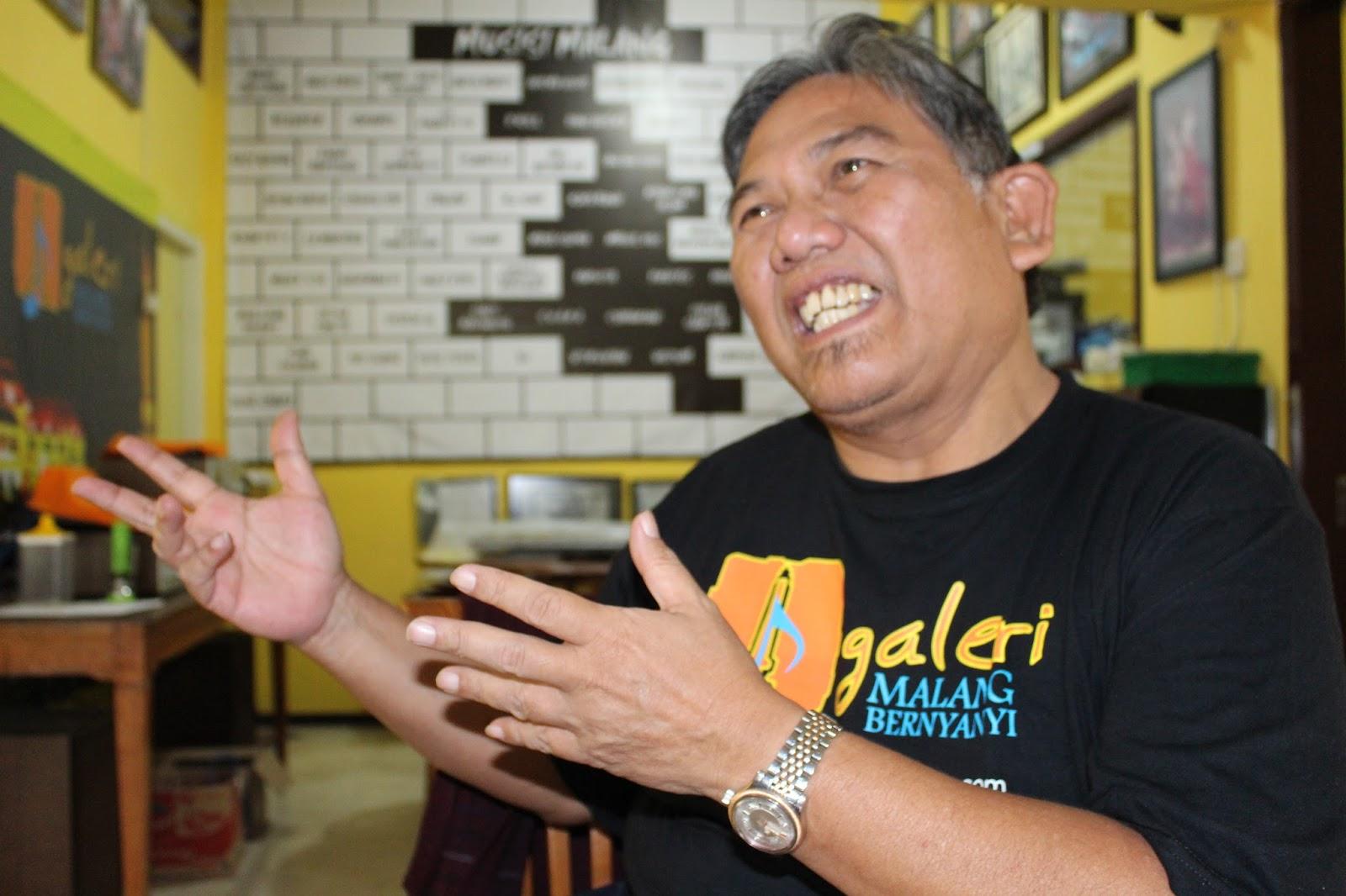 Indonesia Now With Duncan Graham August 2013 Tendencies Tshirt Imagine Line Putih L Thursday 29