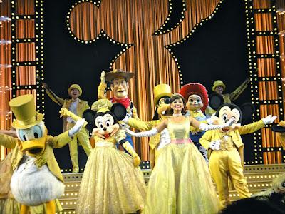 Hong Kong Travel: The Golden Mickeys Show at Hong Kong Disneyland Resort