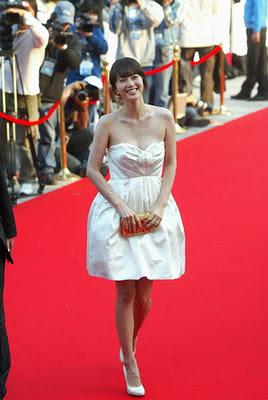 http://2.bp.blogspot.com/-Vrn2EmeE_vg/Uei0xmCxL0I/AAAAAAAALEM/B9w_0CUd_gM/s320/1000unik.blogspot.com_han_ye_seul.jpg