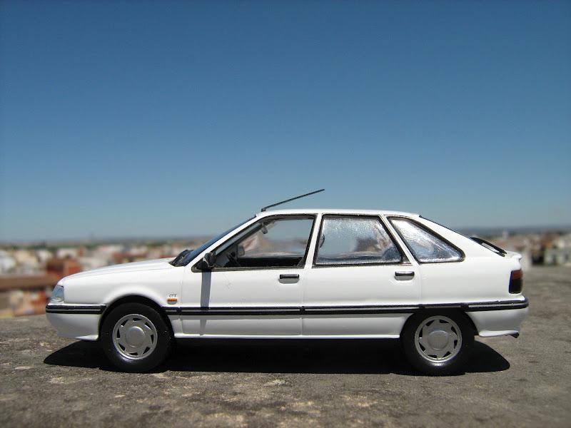 El Garaje Algabeño: Renault 21 GTX de IXO/