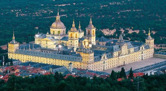 L`ESPAGNE – MOEURS ET PAYSAGES - avec les traditions catholiques de ce pays Elturismonacional