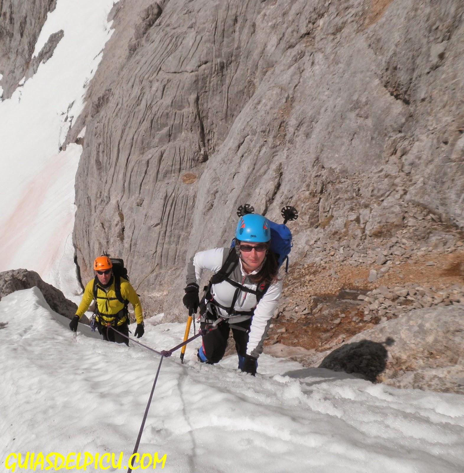 Guias de montaña de Picos de Europa, Fernando Calvo gonzalez Guia de alta montaña , Guiasdelpicu.com