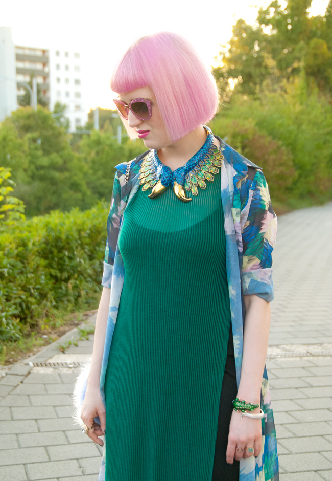 peacock necklace, cleopatra look, statement collar