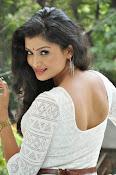 Ishitha Vyas sizzling pics-thumbnail-13