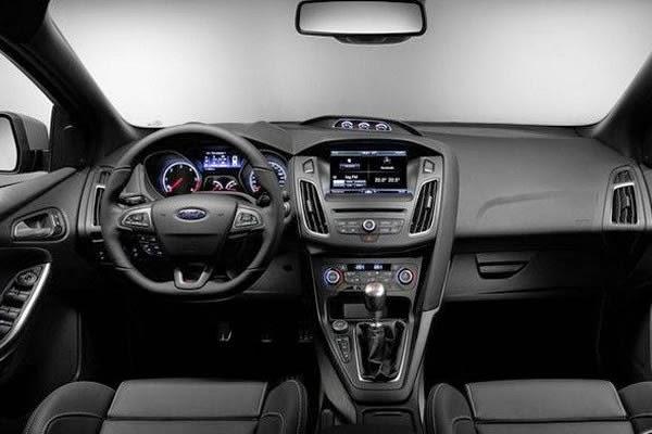 Ford-Focus-ST-ford focus titanium hatch 2014
