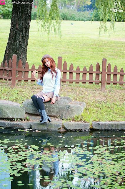 5 Kim Ha Yul in Mini Skirt-very cute asian girl-girlcute4u.blogspot.com