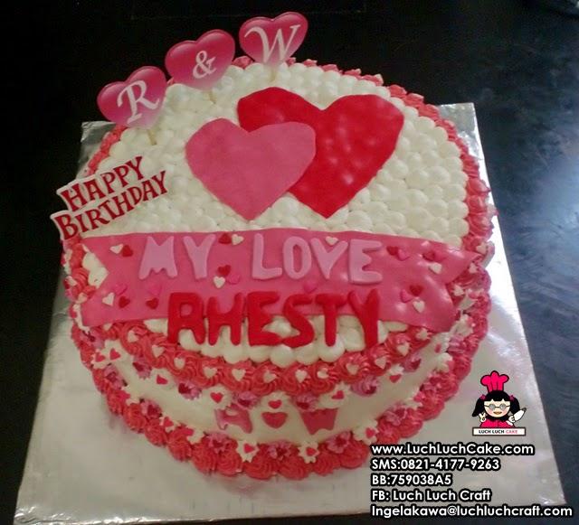 Kue Tart Hati Untuk Pasangan