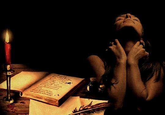 """Amar. Sentir. Escribir. Volar desde los intensos latidos que nos incitan a escribir con..."