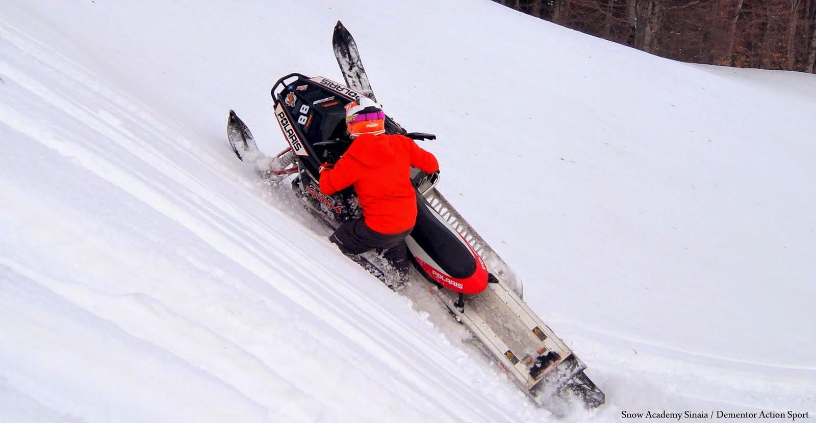 SNOWMOBILE  SNOW ACADEMY -DEMENTOR