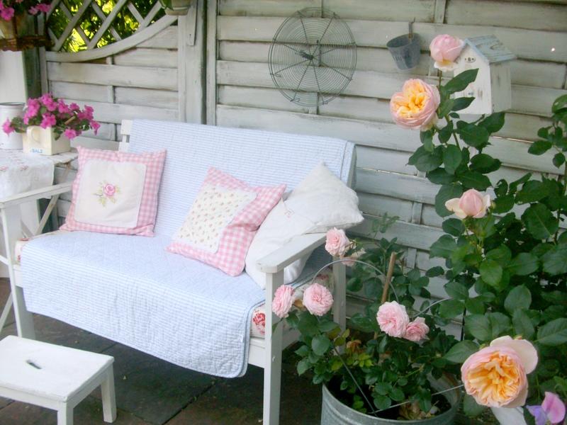 lille ting sommerliche gr e. Black Bedroom Furniture Sets. Home Design Ideas