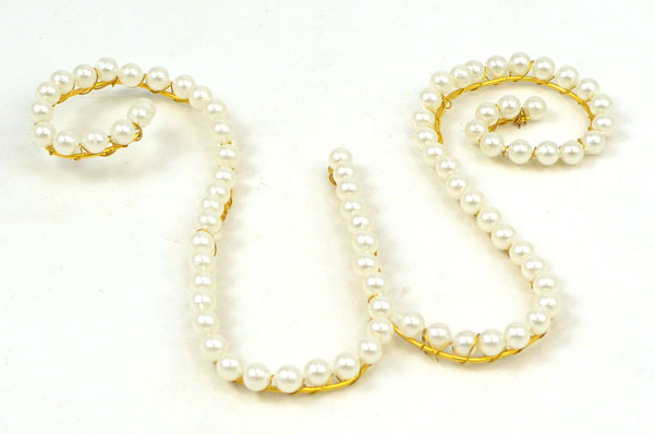 Mardi Gras Beads, Aluminum Wire, How- to, Bead Crafts, Initials, Bead Letters