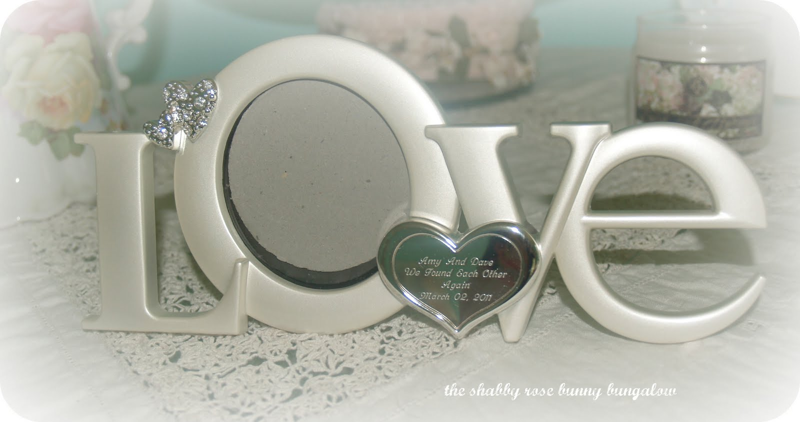 Romantic Love Frames Keeping in the romantic theme,