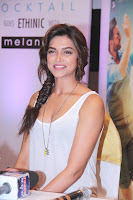 deepika Padukone in lovely white tank top spicy photos