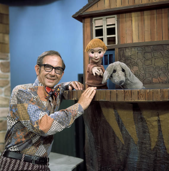 mr Dressup Drawing a Little Insight Into