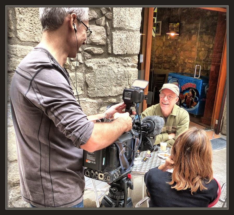 TV3-ENTREVISTA-REPORTAGE-MANRESA-PERSONATGES-BARRI ANTIC-FOTOS-ARTISTA-PINTOR-ERNEST DESCALS-